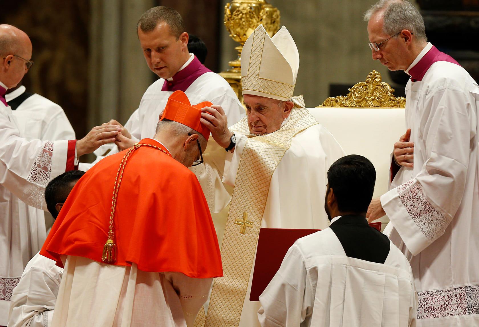 Папа Франциск під час церемоніі в Соборі св. Петра возводить Майкла Черні в сан кардинала. Ватикан, 05 жовтня 2019 року. ФОТО НАДАНЕ З ОСОБИСТОГО АРХІВУ