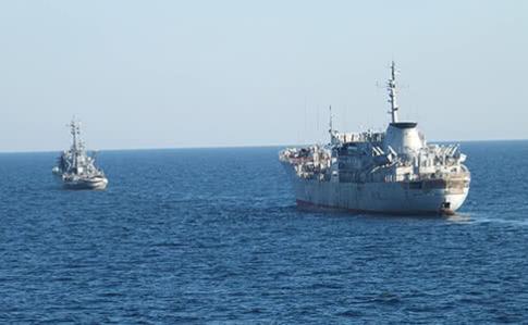 Полторак: Кораблі ВМС України продовжать проходити через Керченську протоку