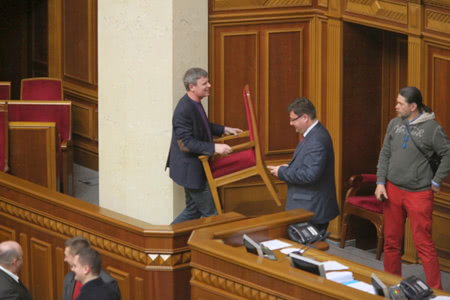 Блокують переважно київські мажоритарники