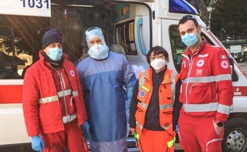 5acf0a6 likari ital - Украинские врачи остались в Италии еще на неделю