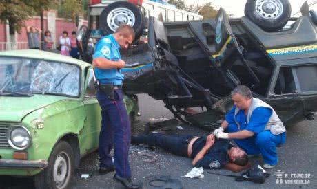 У Дніпропетровську сталася ДТП за участю міліцейського автомобіля