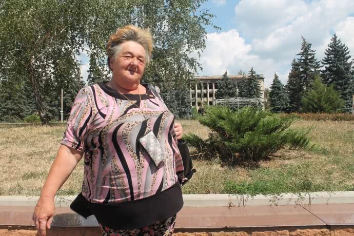 Ніна Філімонова нікуди не хоче виїжджати з Торецька, але своїх дітей відправила у Росію, де кращі умови життя