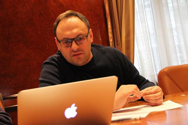 Каськів у своєму кабінеті