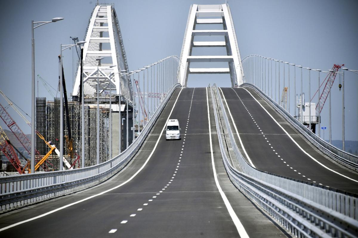 """Омелян озвучив прямі й непрямі збитки від """"Кримського мосту"""""""