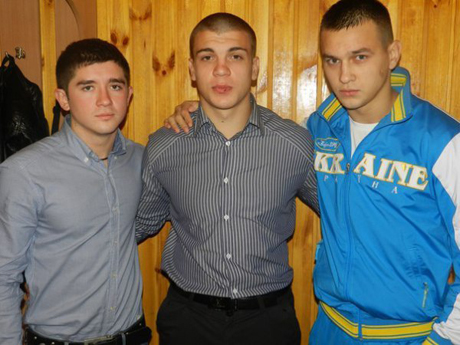 Фото з блогу Дмитра Гнапа. Назар Мазуркевич посередині, Вадік Румин Тітушко - праворуч
