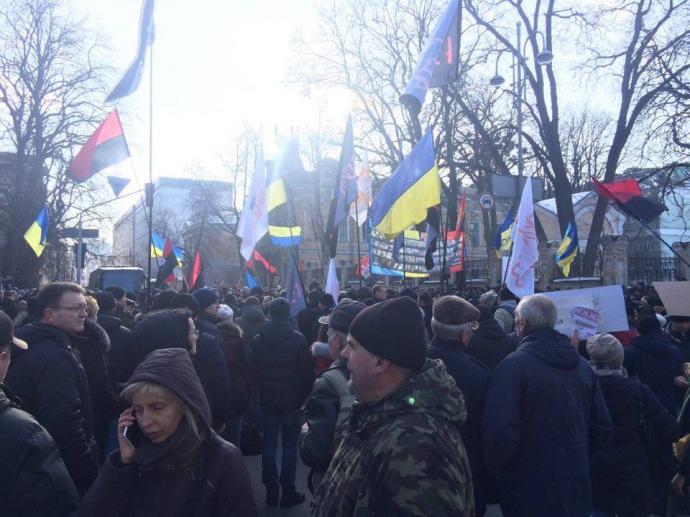 Станом на 15:00 учасники акції прийшли під АП з боку м.Хрещатик на вул.Інститутській.
