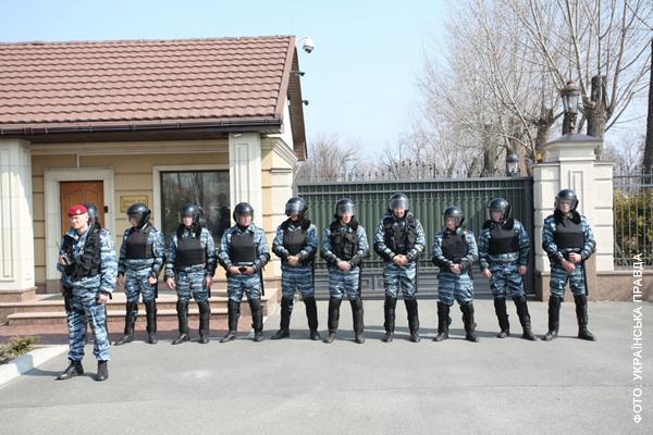 Міліція пильно охороняла порядок Януковича