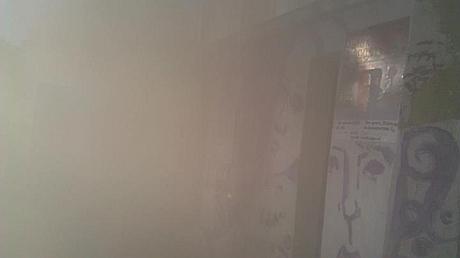 Под помещение, где показывали фильм о Януковиче, бросили дымовую шашку. Фото Alisa Ruban