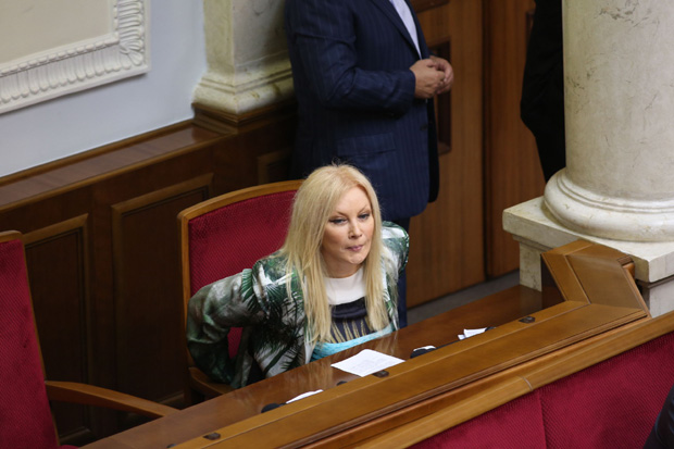 Депутат от Партии регионов, певица Таисия Повалий снова скучает