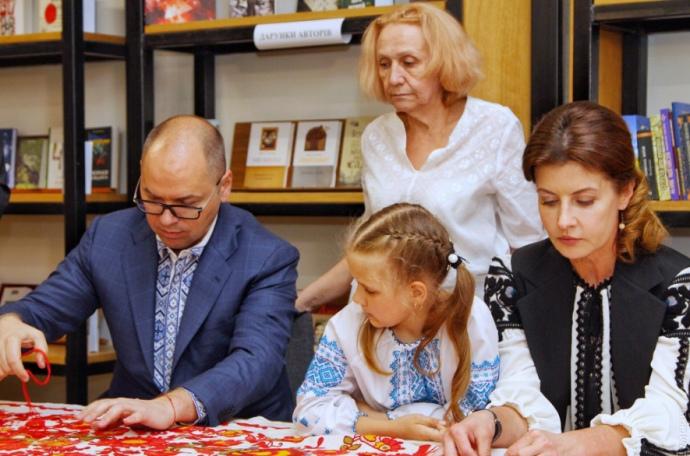 Медика Ільющенкову, яка врятувала десятки життів, виселяють із центру соціально-психологічної допомоги, - журналістка Старожицька - Цензор.НЕТ 2873
