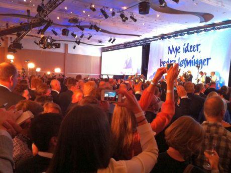 Права консервативна партія Норвегії за результатами виборів зможе сформувати більшість із партнерами