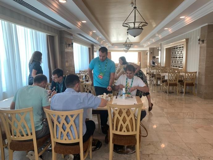 Модератори та викладачі KSE снідали раніше за всіх, щоб встигти підготувати навчальний день