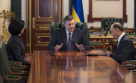 Янукович встретился с Герегой и Голубчекно