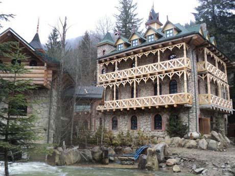 Ющенко строит в Карпатах