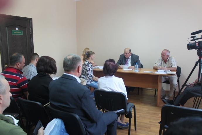 Володимир Сліпцов на камеру проводить прийом жителів Торецька