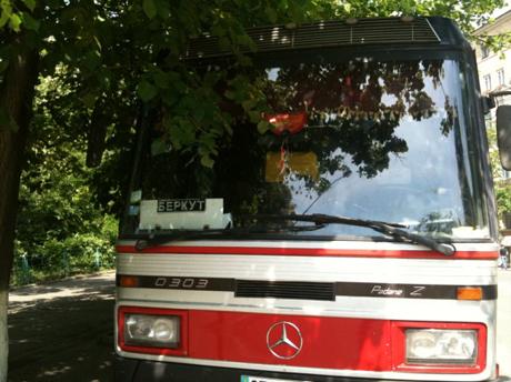 Автобус с Беркутом. Фото Оксаны Коваленко, УП