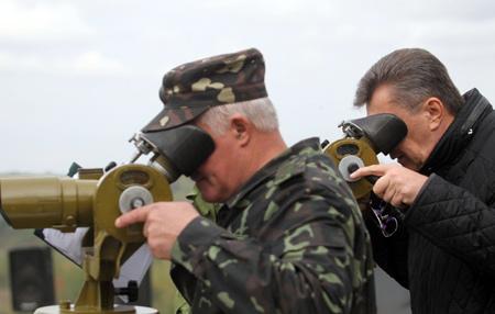 Януковичу устроили конфликт на границе. Фото: пресс-службы АП