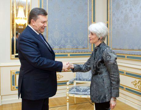 Янукович і Венді Шерман. Фото прес-служби президента