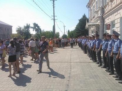Русский бунт в Пугачеве. Фото tvrain.ru