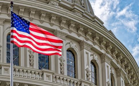 Сенат США одобрил $500 миллиардов на спасение от коронавируса ...
