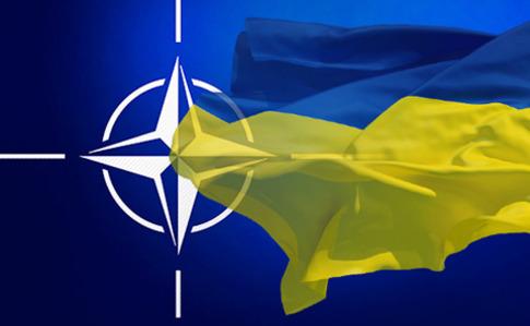 Набули чинності зміни до Конституції щодо ЄС і НАТО