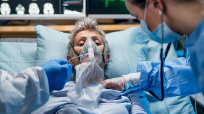 Коронавирус: в Украине обнаружили еще 2966 больных, 41 человек умер |  Украинская правда