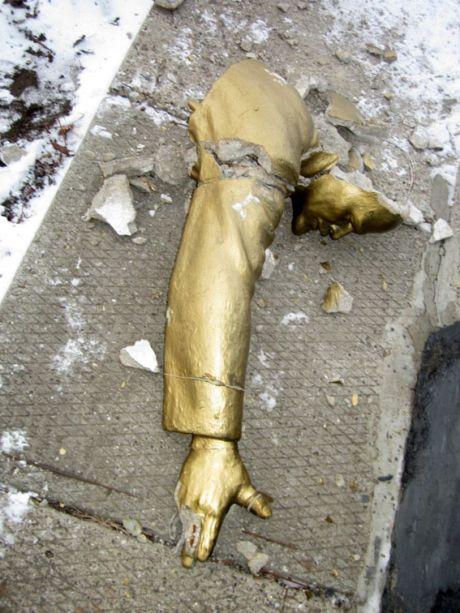 В Котовске разрушили Ленина