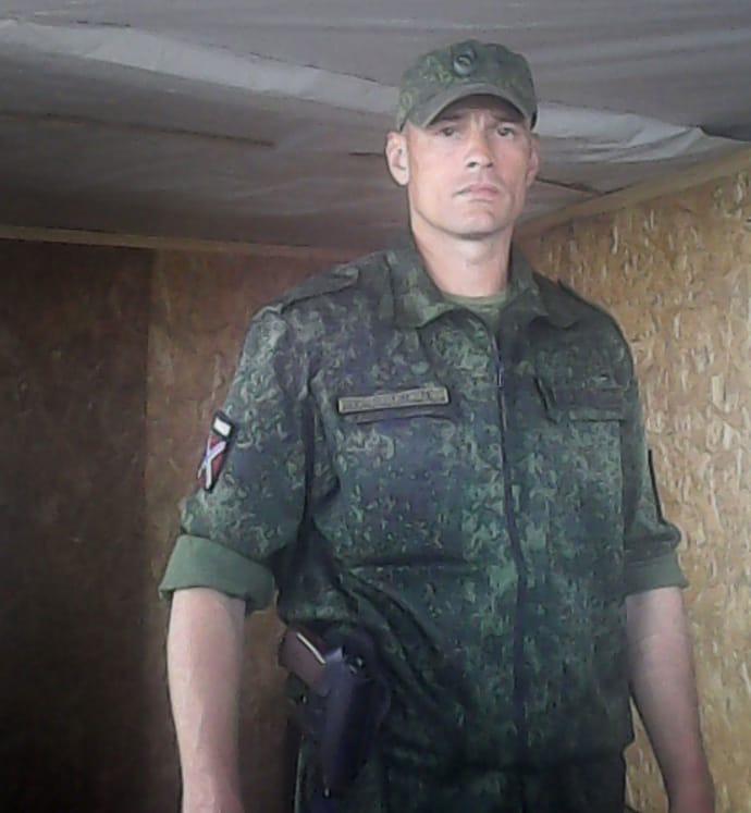 Фото Седікова 12 червня 2016 року на окупованих територіях з нашивкою бойовиків