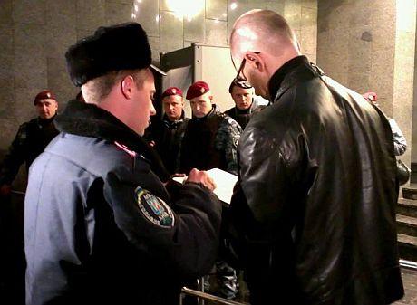 Яценюк прошел в ГПУ. Фото Оксаны Денисовой