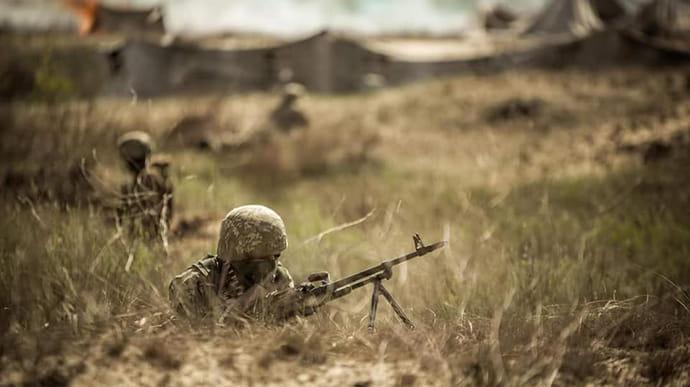 Окупанти дев'ять разів зривали «тишу», поранені двоє українських військових