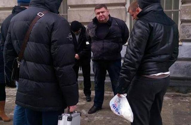 Начальник управління ЖКГ Львівської міськради, відповідальний за сміттєзвалище і вивіз сміття, у листопаді попався на хабарі