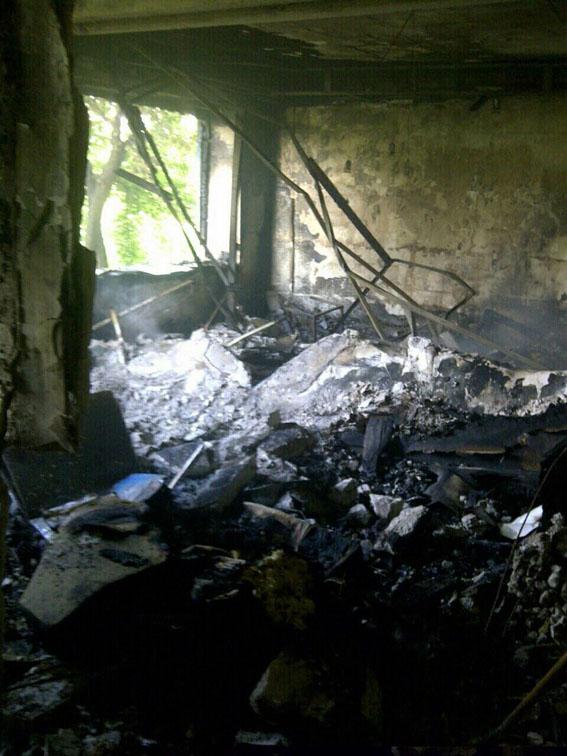 В Красногоровке снаряд попал в дом - 5 квартир разрушены