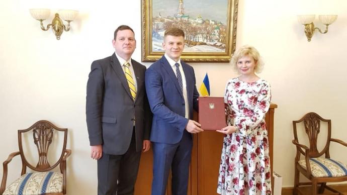 Юрий Игнатко (по центру)