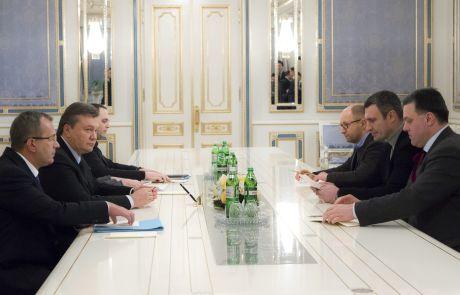 Трійка лідерів опозиції у Януковича з Портновим, Лукаш і Клюєвим