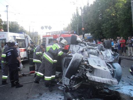 Аварія за участю чотирьох авто сталася вранці 22 червня. фото - ДержНС у м.Києві