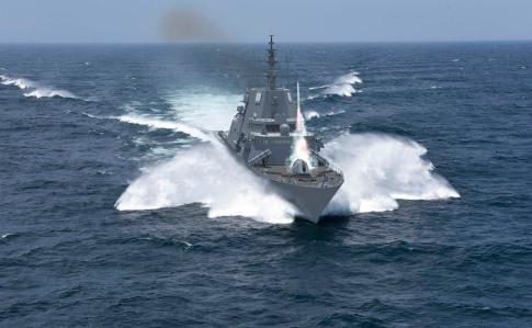 США готуються направити військовий корабель у Чорне море - CNN