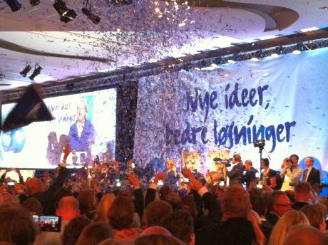 Консерваторы Норвегии празднуют победу. Фото Ольги Андрущенко