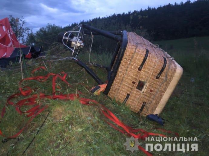Воздушный шар упал на Хмельнитчине: Пассажиры кричали и падали на надгробия, – очевидцы 1
