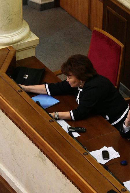 Бахтєєва голосує за сусіда