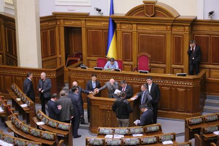 Депутати вимагають виборів у Києві