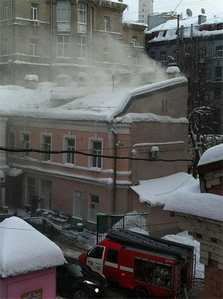 В центре Киева горит здание милиции (ФОТО)