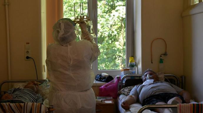 COVID-19: Україна — третя у світі за смертністю