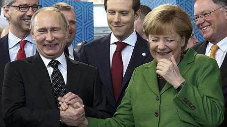 Путин и Меркель посмеялись