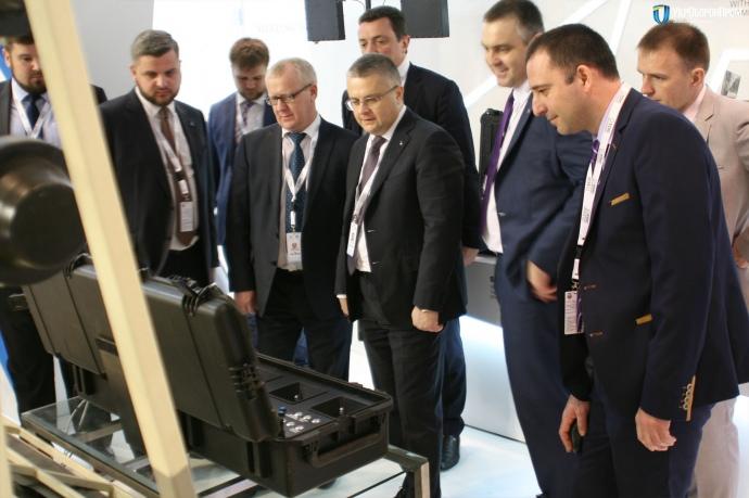 Юрій Бровченко та Роман Романов (у центрі)