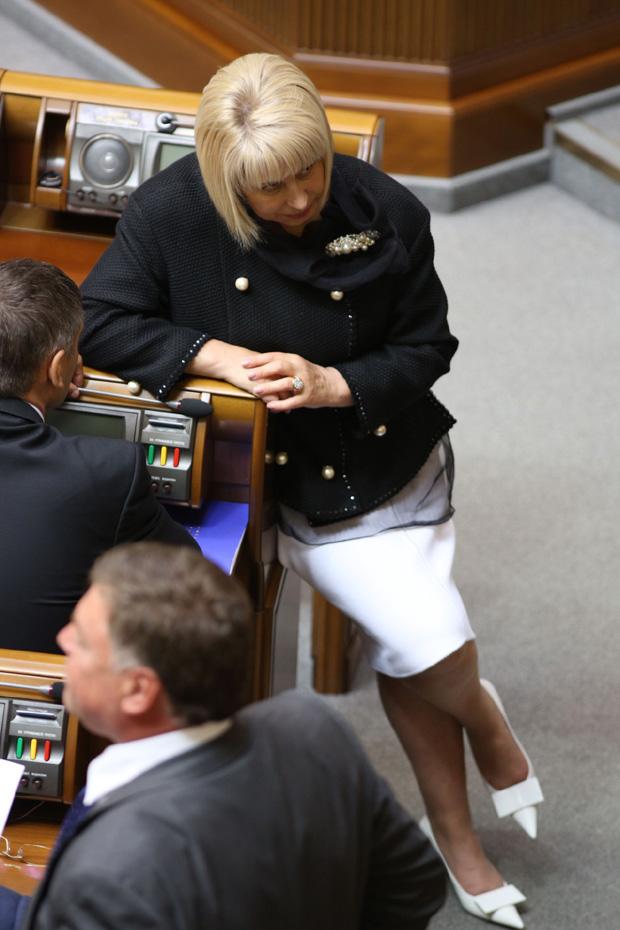 Депутат от Партии регионов Анна Герман выгуливала новую одежду