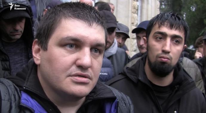 Ахра Авідзба і затриманий разом з ним Талех Гасанов