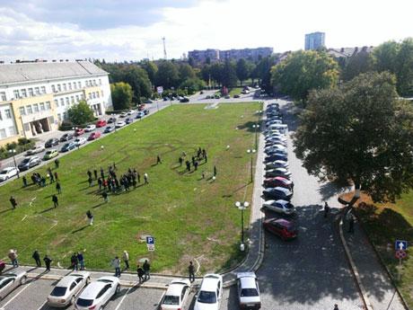 Активисты собрались через соцсети. Фото Закарпатье-онлайн