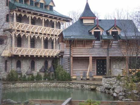 Замок Ющенка в Карпатах