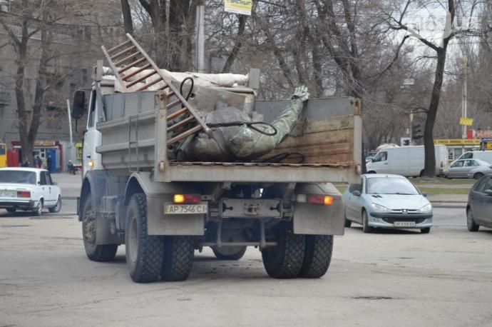 Демонтаж пам'ятника Кірову, Запоріжжя, 11 березня