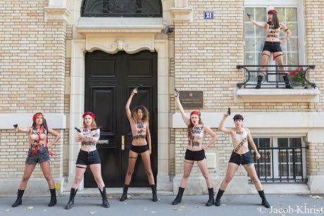 Femen атакували українські посольства у Європі. Фото прес-служби руху